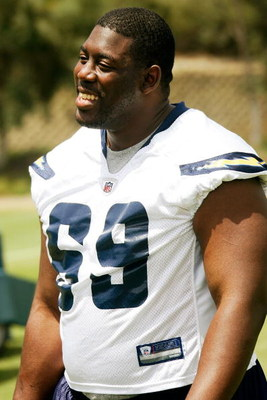 SAN DIEGO - MAY 03: Center Tyronne Green #69 of the San Diego Chargers smiles while watching practice drills during Chargers minicamp at the team's training facility on May 3, 2009 in San Diego, California. (Photo by Kevin Terrell/Getty Images)