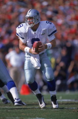 3 Dec 2000:  Quarterback Troy Aikman #8 of the Dallas Cowboys looks to pass the ball during the game against the Tampa Bay Buccaneers at the Raymond James Stadium in Tampa, Florida.  The Buccaneers defeated the Cowboys 27-7.Mandatory Credit: Andy Lyons  /
