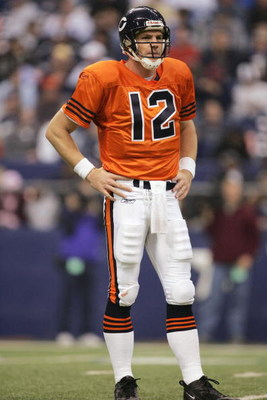 IRVING, TX - NOVEMBER 25:  Kicker Jonathan Quinn #12 of the Chicago Bears looks on while facing the Dallas Cowboys on November 25, 2004 at Texas Stadium in Irving, Texas.   (Photo by Ronald Martinez/Getty Images)