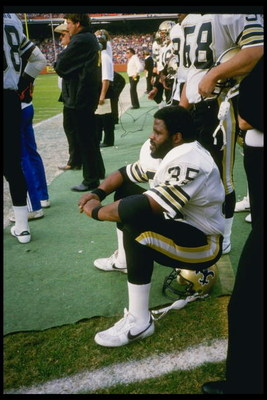 2 Dec 1984:  Running back Earl Campbell of the New Orleans Saints looks on during a game against the Los Angeles Rams at Anaheim Stadium in Anaheim, California.  The Rams won the game, 34-21. Mandatory Credit: Tony Duffy  /Allsport