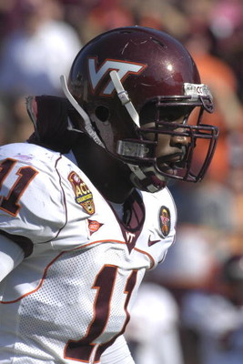 JACKSONVILLE, FL - DECEMBER 1: Linebacker Xavier Adibi #11 of the Virginia Tech Hokies lines up on defense against the Boston College Eagles in the ACC Championship Game at Jacksonville Municipal Stadium on December 1, 2007 in Jacksonville, Florida.  The