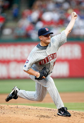 ARLINGTON, TX - JULY 17:  Pitcher Glen Perkins #15 of the Minnesota Twins throws against the Texas Rangers on July 17, 2009 at Rangers Ballpark in Arlington, Texas.  (Photo by Ronald Martinez/Getty Images)