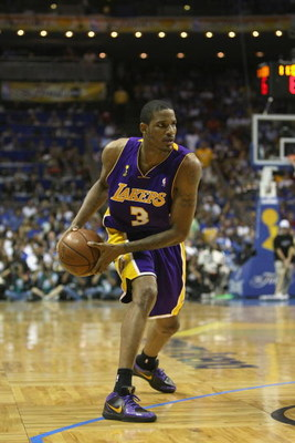 ORLANDO, FL - JUNE 14:  Trevor Ariza #2 of the Los Angeles Lakers looks to move the ball against the Orlando Magic in Game Five of the 2009 NBA Finals on June 14, 2009 at Amway Arena in Orlando, Florida. The Lakers won 99-86. NOTE TO USER:  User expressly