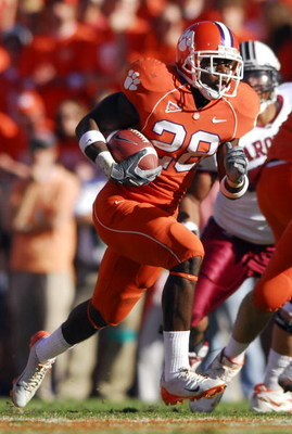CLEMSON, SC - NOVEMBER 25:  C.J. Spiller #28 of the Clemson Tigers runs against the South Carolina Gamecocks during an NCAA football game at Memorial Stadium in Clemson November 25, 2006 South Carolina. South Carolina won 31-28.  (Photo by Grant Halverson