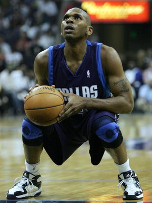MEMPHIS - MAY 1:   Jerry Stackhouse #42 of the Dallas Mavericks shoots a free throw in the second half against the Memphis Grizzlies in game four of the Western Conference Quarterfinals during the 2006 NBA Playoffs at FedExForum on May 1, 2006 in Memphis,