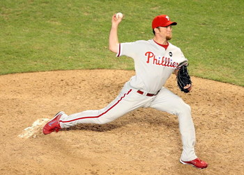 PHOENIX - JULY 28:  Relief pitcher Brad Lidge #54 of the Philadelphia Phillies pitches against the Arizona Diamondbacks during the major league baseball game at Chase Field on July 28, 2009 in Phoenix, Arizona.  The Phillies defeated the Diamondbacks 4-3.
