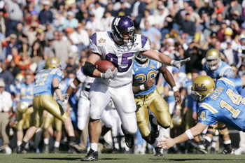 EL PASO, TEXAS - DECEMBER 30:  of the UCLA Bruins of the Northwestern Wildcats during the Vitalis Sun Bowl on December 30, 2005 at the Sun Bowl in El Paso, Texas.  The Bruins won 50-38.  (Photo by Brian Bahr/Getty Images) *** Local Caption ***