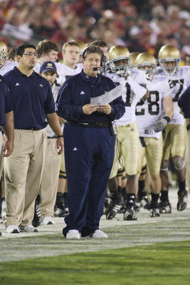 LOS ANGELES - NOVEMBER 29:  Head coach Charlie Weis of the Notre Dame Fighting Irish looks on from the sideline against the USC Trojans on November 29, 2008 at the Los Angeles Memorial Coliseum in Los Angeles, California.  USC won 38-3.  (Photo by Jeff Go