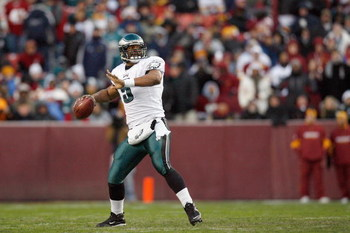 LANDOVER, MD - DECEMBER 21:  Quarterback Donovan McNabb #5 of the Philadelphia Eagles passes the ball during the game against the Washington Redskins on December 21, 2008 at FedEx Field in Landover, Maryland.  (Photo by Kevin C. Cox/Getty Images)