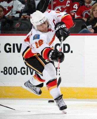 NEWARK, NJ - MARCH 10:  Jerome Iginla #12 of the Calgary Flames skates against the New Jersey Devils on March 10, 2009 at the Prudential Center in Newark, New Jersey.  (Photo by Bruce Bennett/Getty Images)