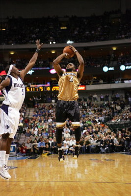 DALLAS - NOVEMBER 26:  DeShawn Stevenson #2 of the Washington Wizards shoots a jump shot over Josh Howard #5 of the Dallas Mavericks during the game at American Airlines Center November 26, 2007 in Dallas, Texas.  The Wizards won 110-98.  NOTE TO USER: Us
