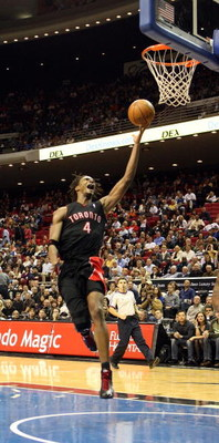 ORLANDO, FL - NOVEMBER 18:  Chris Bosh #4 of the Toronta Raptors scores during a game against the Orlando Magic on November 18, 2008 at Amway Arena in Orlando, Florida.  NOTE TO USER: User expressly acknowledges and agrees that, by downloading and/or usin