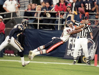 21 Nov 1999: Curtis Conway #80 of the Chicago Bears dives to catch the pass during a game against the San Diego Chargers at the Qualcomm Stadium in San Diego, California. The Bears defeated the Chargers 23-20.