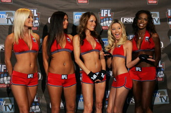 HOFFMAN ESTATES, IL - MAY 18:  The ring girls pose during the IFL weigh-in for the fights between the Condors versus the Razorclaws and the Red Bears versus Silverbacks at Buffalo Wild Wings May 18, 2007 in Hoffman Estates, Illinois.  (Photo by Brian Bahr