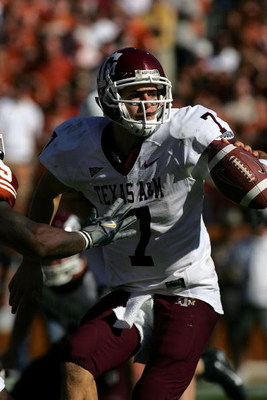 AUSTIN, TX - NOVEMBER 24:  Quarterback Stephen McGee #7 of the Texas A&M Aggies gets ready for a play against the Texas Longhorns at Darrell K Royal-Texas Memorial Stadium November 24, 2006 in Austin, Texas. The Aggies defeated the Longhorns 12-7.  (Photo