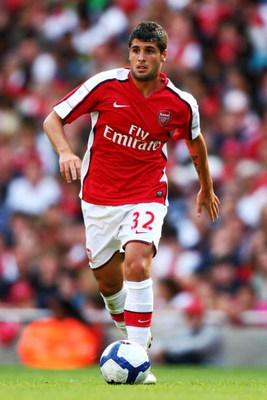 LONDON, ENGLAND - AUGUST 02:  Fran Merida of Arsenal runs with the ball during the Emirates Cup match between Arsenal and Glasgow Rangers at the Emirates Stadium on August 2, 2009 in London, England.  (Photo by Phil Cole/Getty Images)
