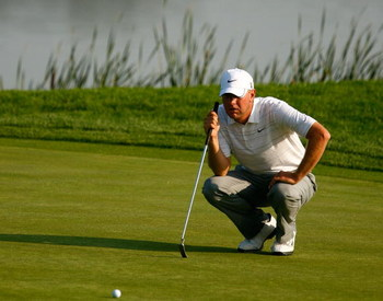 CHASKA, MN - AUGUST 11:  Lucas Glover lines up a putt on the 16th hole during the second preview day of the 91st PGA Championship at Hazeltine Golf Club on August 11, 2009 in Chaska, Minnesota.  (Photo by Scott Halleran/Getty Images)