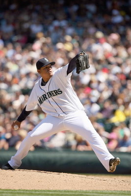 SEATTLE  - MAY 24: Felix Hernandez #34 of the Seattle Mariners delivers the pitch during the game against the San Francisco Giants on May 24, 2009 at Safeco Field in Seattle, Washington. (Photo by Otto Greule Jr/Getty Images)