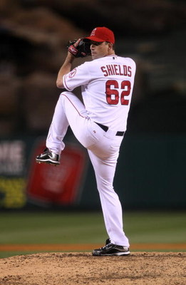 ANAHEIM, CA - APRIL 24:  Scott Shields #62 of the Los Angeles Angels of Anaheim throws a pitch against the Seattle Mariners on April 24, 2009 at Angel Stadium in Anaheim, California.  The Mariners won 8-3.  (Photo by Stephen Dunn/Getty Images)