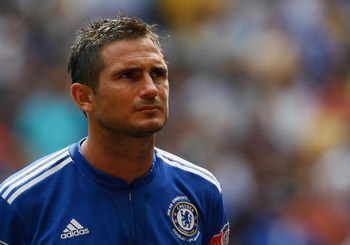 LONDON, ENGLAND - AUGUST 09:  Frank Lampard of Chelsea looks on prior to the FA Community Shield match between Manchester United and Chelsea at Wembley Stadium on August 9, 2009 in London, England.  (Photo by Paul Gilham/Getty Images)