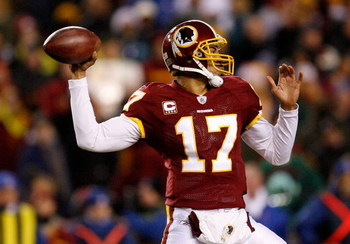LANDOVER, MD - DECEMBER 21:  Quarterback Jason Campbell #17 of the Washington Redskins in action against the Philadelphia Eagles during the game on December 21, 2008 at FedEx Field in Landover, Maryland.  (Photo by Kevin C. Cox/Getty Images)