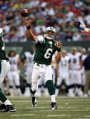 EAST RUTHERFORD, NJ - AUGUST 14:  Mark Sanchez #6 of the New York Jets throws a pass against the St. Louis Rams during their preseason game at Giants Stadium on August 14, 2009  in East Rutherford, New Jersey.  (Photo by Nick Laham/Getty Images)