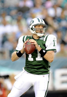PHILADELPHIA - AUGUST 28: Kellen Clemens #11 of the New York Jets passes against the Philadelphia Eagles during a preseason game  at Lincoln Financial Field on August 28, 2008 in Philadelphia, Pennsylvania. (Photo by Rob Tringali/Getty Images)