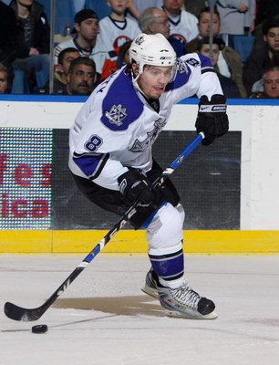 UNIONDALE, NY - FEBRUARY 10:  Drew Doughty #8 of the Los Angeles Kings skates against the New York Islanders on February 10, 2009 at Nassau Coliseum in Uniondale, New York.  (Photo by Jim McIsaac/Getty Images)