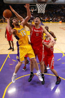 LOS ANGELES, CA - MAY 04:  Pau Gasol #16 of the Los Angeles Lakers goes up for a shot against Yao Ming #11 of the Houston Rockets in Game One of the Western Conference Semifinals during the 2009 NBA Playoffs at Staples Center on May 4, 2009 in Los Angeles