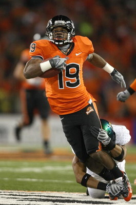 CORVALIS, OR - NOVEMBER 29:  Sammie Stroughter #19 of the Oregon State Beavers runs with the ball during their game against the Oregon Ducks at Reser Stadium on November 29, 2008 in Corvalis, Oregon. The Ducks defeated the Beavers 65-38. (Photo by Jonatha