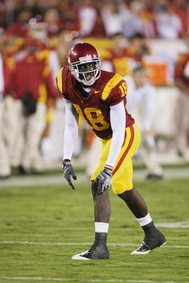 LOS ANGELES - NOVEMBER 29:  Damian Williams #18 of the USC Trojans lines up against the Notre Dame Fighting Irish on November 29, 2008 at the Los Angeles Memorial Coliseum in Los Angeles, California.  USC won 38-3.  (Photo by Jeff Golden/Getty Images)