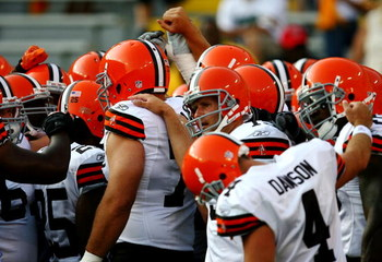 GREEN BAY, WI - AUGUST 15:  Cleveland Browns players huddle before taking on the Green Bay Packers during the preseason game at Lambeau Field on August 15, 2009 in Green Bay, Wisconsin. (Photo by Jonathan Daniel/Getty Images)