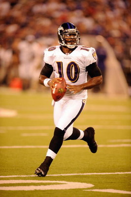 BALTIMORE, MD - AUGUST 13:  Troy Smith #10 of the Baltimore Ravens looks to throw the ball during a NFL preseason football game against the Washington Redskins on August 13, 2009 at M & T Bank Stadium in Baltimore, Maryland.   (Photo by Mitchell Layton/Ge