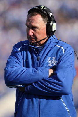 LEXINGTON, KY - NOVEMBER 8:  Head coach Rich Brooks of the Kentucky Wildcats looks on during the game against the Georgia Bulldogs at Commonwealth Stadium on November 8, 2008 in Lexington, Kentucky. (Photo by Andy Lyons/Getty Images)