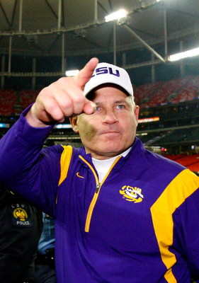 ATLANTA - DECEMBER 31:  Head coach Les Miles of the LSU Tigers celebrates after a 38-3 win over the Georgia Tech Yellow Jackets in the Chick-fil-A Bowl on December 31, 2008 at the Georgia Dome in Atlanta, Georgia.  (Photo by Kevin C. Cox/Getty Images)