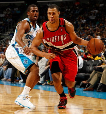 NEW ORLEANS - NOVEMBER 14:  Brandon Roy #7 of the  Portland Trail Blazers drives the ball around Chris Paul #3 of the New Orleans Hornets at the New Orleans Arena on November 14, 2008 in New Orleans, Louisiana.  The Hornets defeated the Trail Blazers 87-8