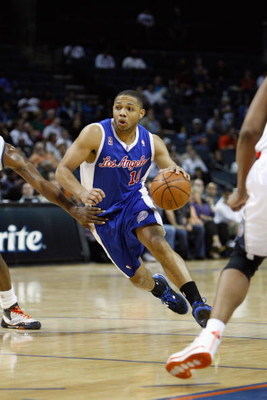 CHARLOTTE, NC - FEBRUARY 9:  Eric Gordon #10 of the Los Angeles Clippers drives against the Charlotte Bobcats during the game at Time Warner Cable Arena on February 9, 2009 in Charlotte, North Carolina. NOTE TO USER: User expressly acknowledges and agrees