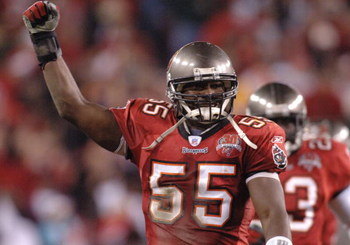 Tampa Bay Buccaneers linebacker Derrick Brooks celebrates a play  against the Washington Redskins in an NFL wild card playoff game January 7, 2006 in Tampa.  The Redskins defeated the Bucs 17 - 10.  (Photo by Al Messerschmidt/Getty Images)
