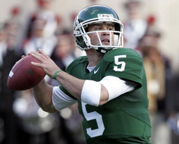EAST LANSING, MI - OCTOBER 14:  Drew Stanton #5 of the Michigan State Spartans gets ready to throw a second quarter pass against the Ohio State Buckeys on October 14, 2006 at Spartan Stadium in East Lansing, Michigan. Ohio State won the game 38-7.  (Photo