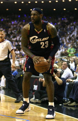 ORLANDO, FL - MAY 30:  LeBron James #23 of the Cleveland Cavaliers handles the ball against the Orlando Magic in Game Six of the Eastern Conference Finals during the 2009 Playoffs at Amway Arena on May 30, 2009 in Orlando, Florida. NOTE TO USER: User expr
