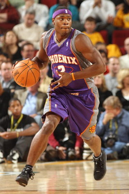 SEATTLE - NOVEMBER 1:  Marcus Banks #2 of the Phoenix Suns moves the ball up court during a game against the Seattle SuperSonics at Key Arena on November 1, 2007 in Seattle, Washington.  The Suns won 106-99.  NOTE TO USER: User expressly acknowledges and