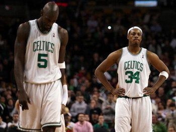 BOSTON - FEBRUARY 08:  Paul Pierce #34 and Kevin Garnett #5 of the Boston Celtics react after losing to the San Antonio Spurs on February 8, 2009 at TD Banknorth Garden in Boston, Massachusetts. The Spurs defeated the Celtics 105-99. NOTE TO USER: User ex