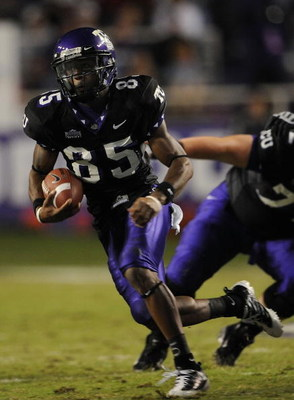 FORT WORTH, TX - OCTOBER 16:  Wide receiver Jeremy Kerley #85 of the TCU Horned Frogs runs for a touchdown in the first quarter at Amon G. Carter Stadium on October 16, 2008 in Fort Worth, Texas.  (Photo by Ronald Martinez/Getty Images)