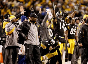 PITTSBURGH - NOVEMBER 16: Head coach Mike Tomlin, Ben Roethlisberger #7 and Limas Sweed #14 of the Pittsburgh Steelers react to Jeff Reed's late field goal to beat the San Diego Chargers 11-10 on November 16, 2008 at Heinz Field in Pittsburgh, Pennsylvani