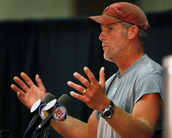 EDEN PRAIRIE, MN - AUGUST 18: Brett Favre talks with the media after his first practice with the Minnesota Vikings on August 18, 2009 at Winter Park in Eden Prairie, Minnesota.  (Photo by Scott A. Schneider/Getty Images)