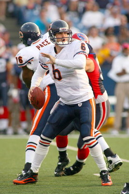 ORCHARD PARK, NY - AUGUST 15:  Jay Cutler #6 of the Chicago Bears readies to pass against the Buffalo Bills on  August 15, 2009 at Ralph Wilson Stadium in Orchard Park, New York.  (Photo by Rick Stewart/Getty Images)