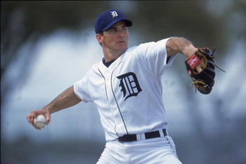 25 Feb 2001:  Steve Sparks #37 of the Detroit Tigers winds back to pitch the ball during Spring Training at Joker Marchant Stadium in Lakeland, Florida..Mandatory Credit: Andy Lyons  /Allsport