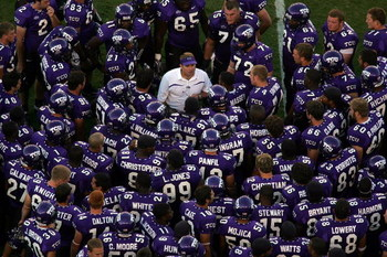 FORT WORTH, TX -SEPTEMBER 28:  Head coach Gary Patterson of the Texas Christian University Horned Frogs talks to his team during halftime against the Brigham Young University Cougars at Amon G. Carter Stadium on September 28, 2006 in Fort Worth, Texas.  (