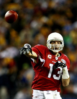 TAMPA, FL - FEBRUARY 01:  Quarterback Kurt Warner #13 of the Arizona Cardinals throws a pass in the fourth quarter against the Pittsburgh Steelers during Super Bowl XLIII on February 1, 2009 at Raymond James Stadium in Tampa, Florida.  (Photo by Chris McG
