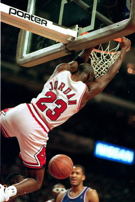 9 Dec 1992:  Michael Jordan #23 of the Chicago Bulls dunks the ball during the game against the Cleveland Cavaliers .   Mandatory Credit: Jonathan Daniel  /Allsport